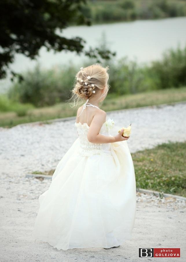 Mala druzicka na svadbe