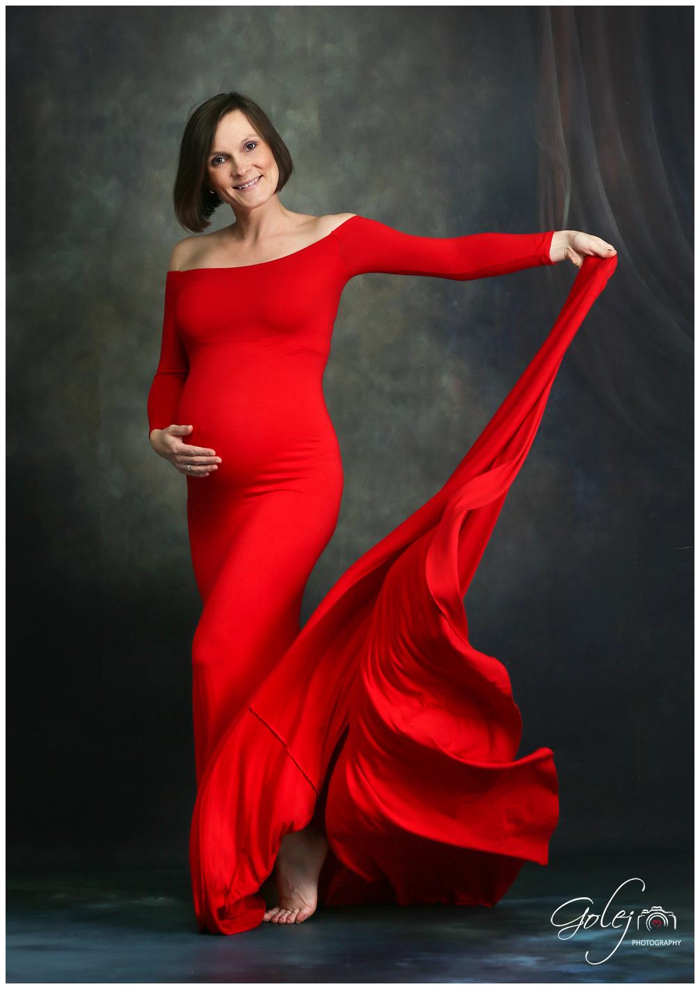 Cervene saty pre tehotne