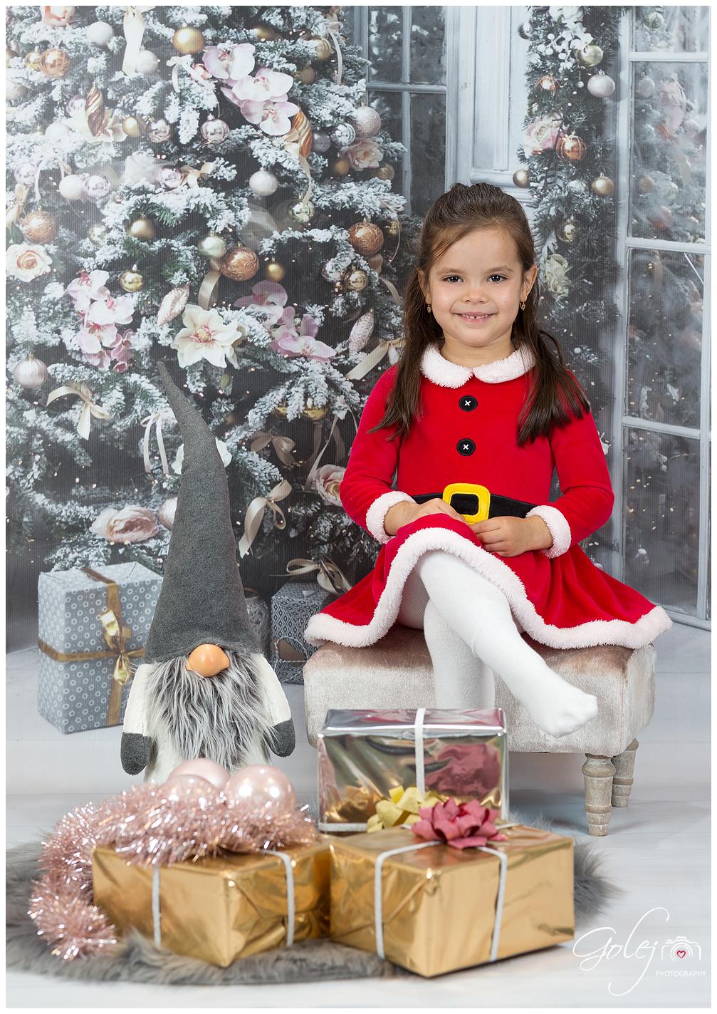Detske fotenie vo vianocnom obleceni