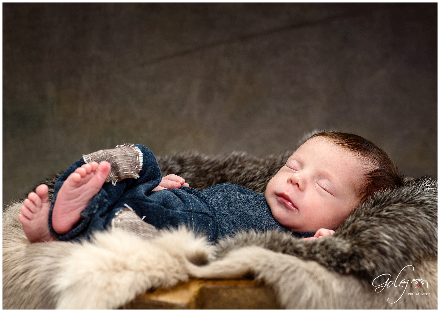 Atelierove novorodenecke fotenie