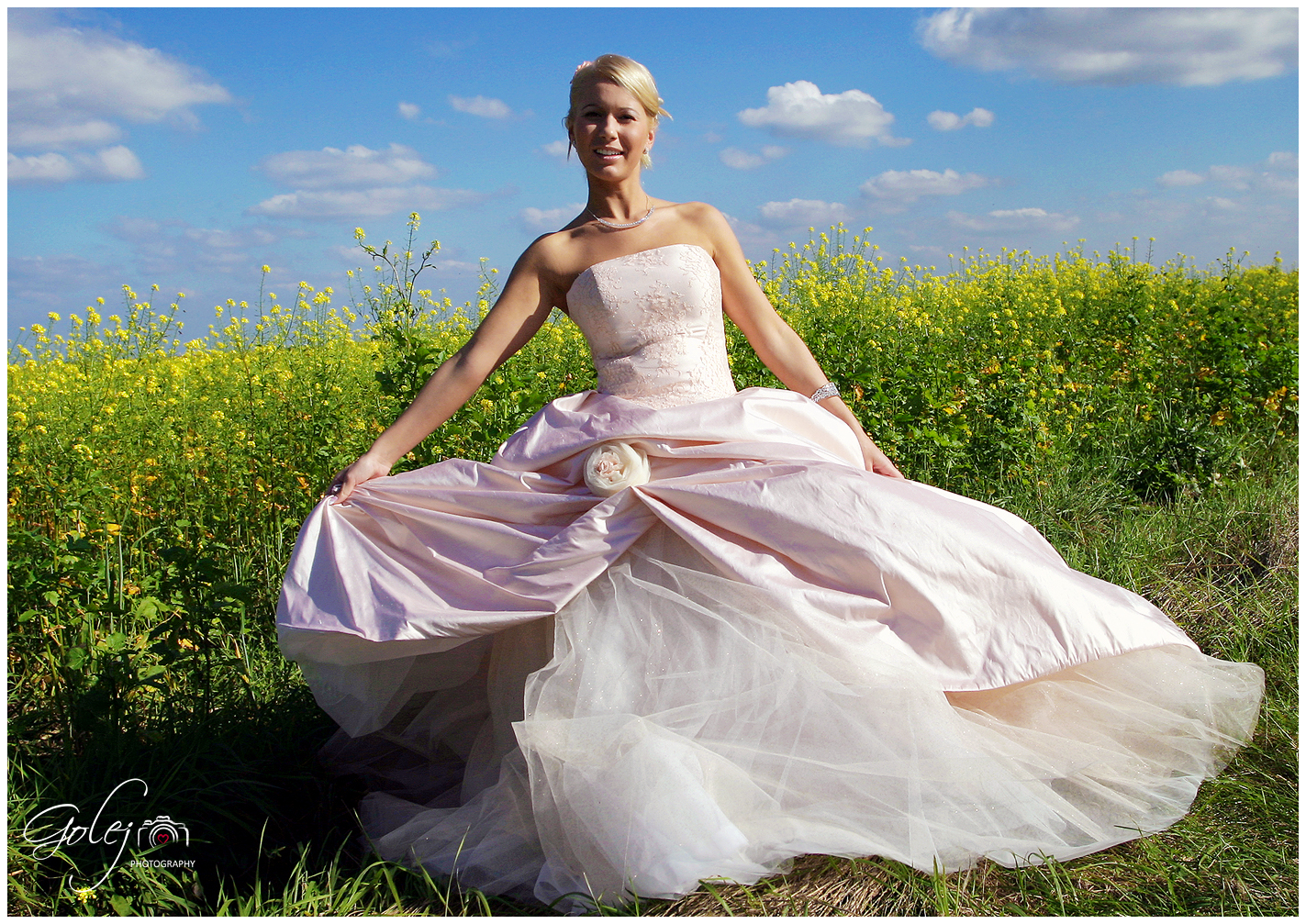 Dobry svadobny fotograf